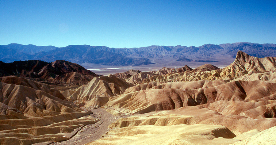 death_valley_zabriskie_point_wolfgangbeyer